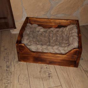Kleines Hundbett im Vintage-Look