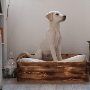 Großes Hundebett im Vintage-Stil